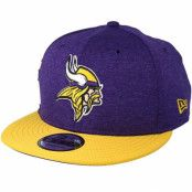 Keps Minnesota Vikings 9Fifty On Field Purple/Yellow Snapback - New Era - Lila Snapback