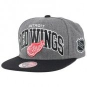 Mitchell & Ness - Detroit Red Wings G2 Team Arch Snapback